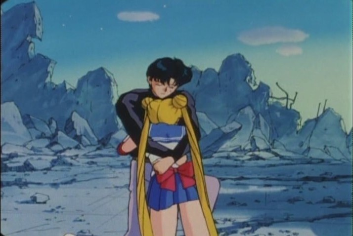 Sailor Moon and Mamoru embracing