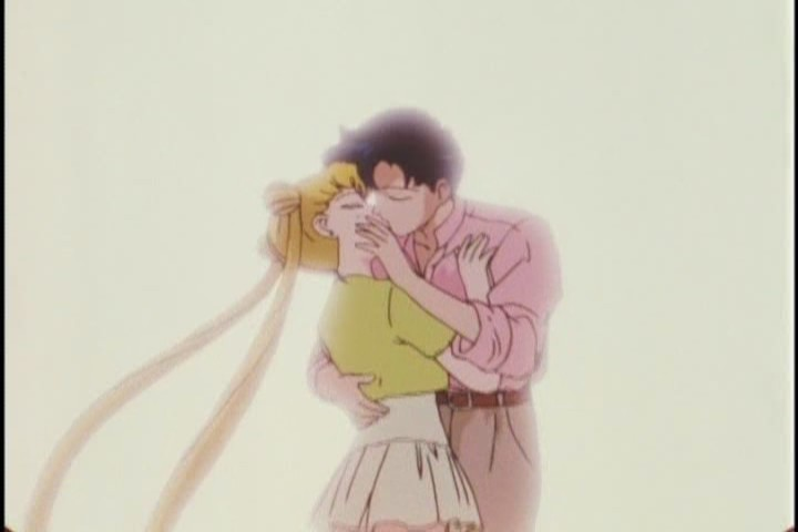 Aww. Ok Mamoru's hand on Usagi's face looks a bit weird