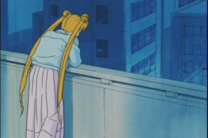 Usagi making a decision on Mamorus balcony