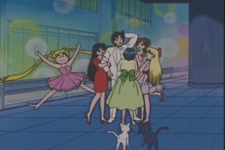 Mamoru surrounded by the Senshi