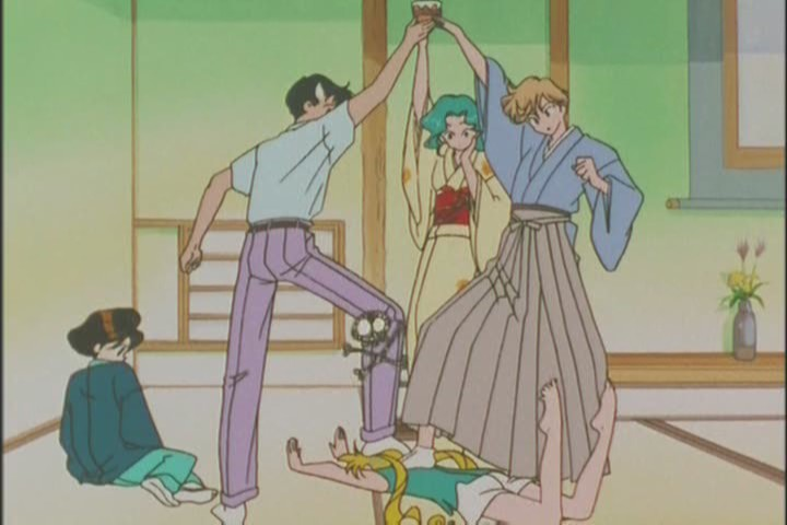 What is WITH you Mamoru? You need to examine why you always end up standing on your girlfriends