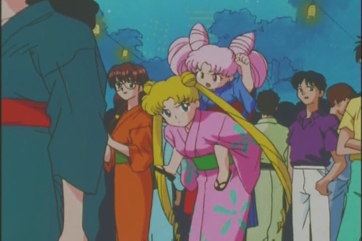 Usagi carrying Chibi-Usa